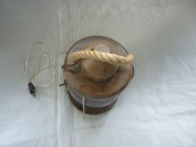 Lanterne lampe vintage en bois et globe verre