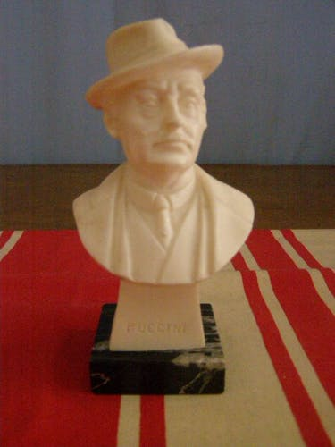 Puccini resin bust, marble base