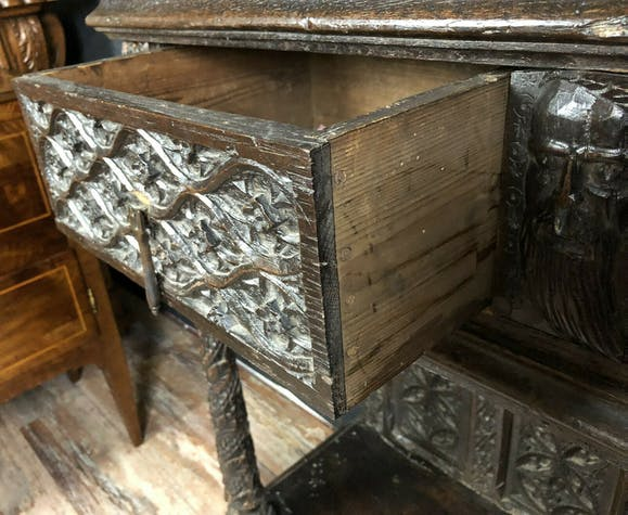 Renaissance cabinet in solid oak with brown patina