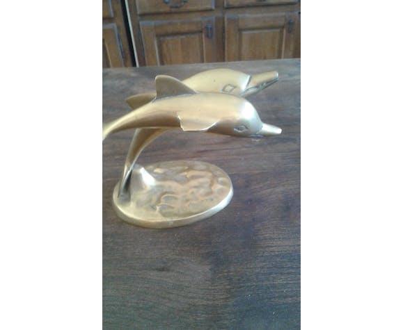 Deux dauphins en laiton sur socle
