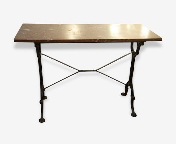 petite table bistrot pied fonte et dessus marbre rouge m tal rouge classique 43137. Black Bedroom Furniture Sets. Home Design Ideas