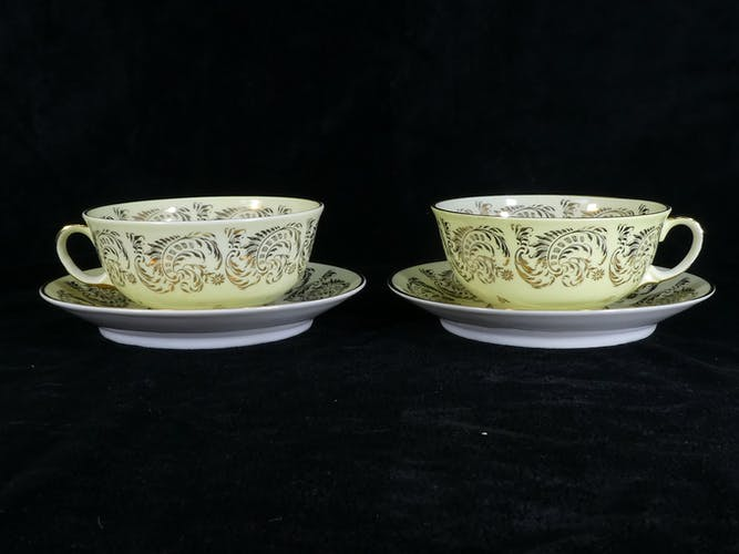 Paire de Dejeuner tasse et sous-tasse en porcelaine LIMOGES