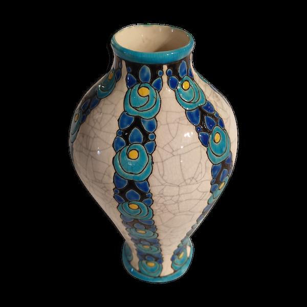 Vase blanc à motifs bleus en céramique Belges