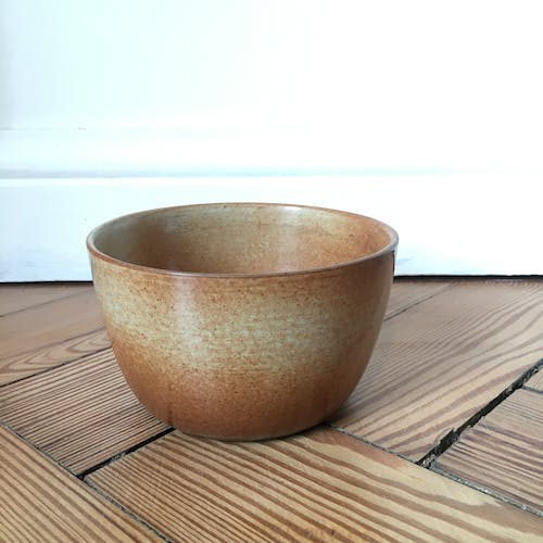 Sandstone bowl enamel brown-orange and speckled grey