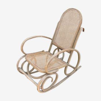 Rocking-chair en cannage