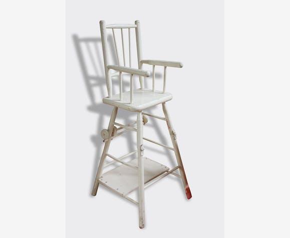 ancienne chaise haute de poup e ann es 50 60 bois mat riau blanc vintage 7911. Black Bedroom Furniture Sets. Home Design Ideas