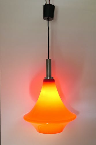 Hanging opaline UFO red / orange Scandinavian design
