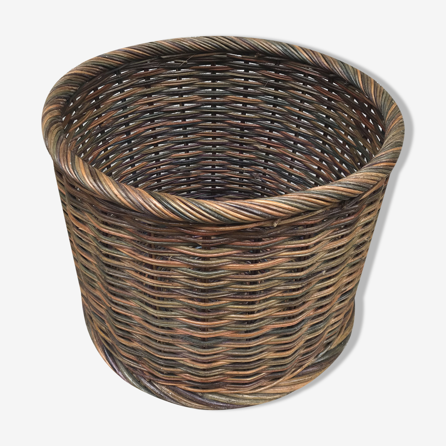 Old basket of the 60s in braided rattan