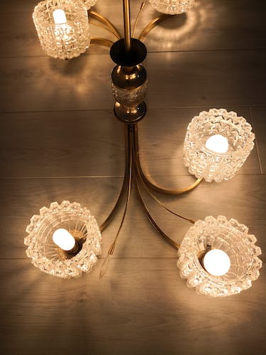 Luster 6 glass globes 60