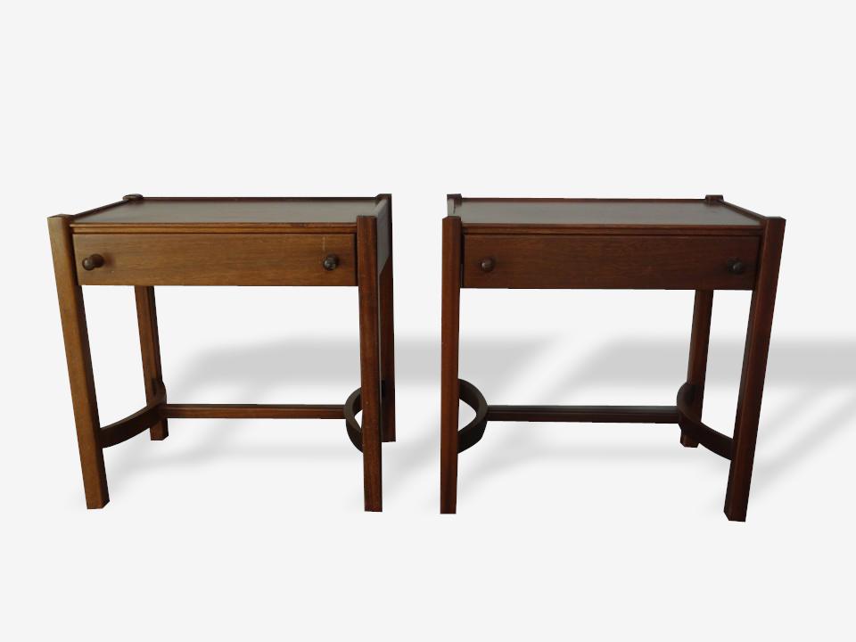 Table de chevet couleur bois vintage