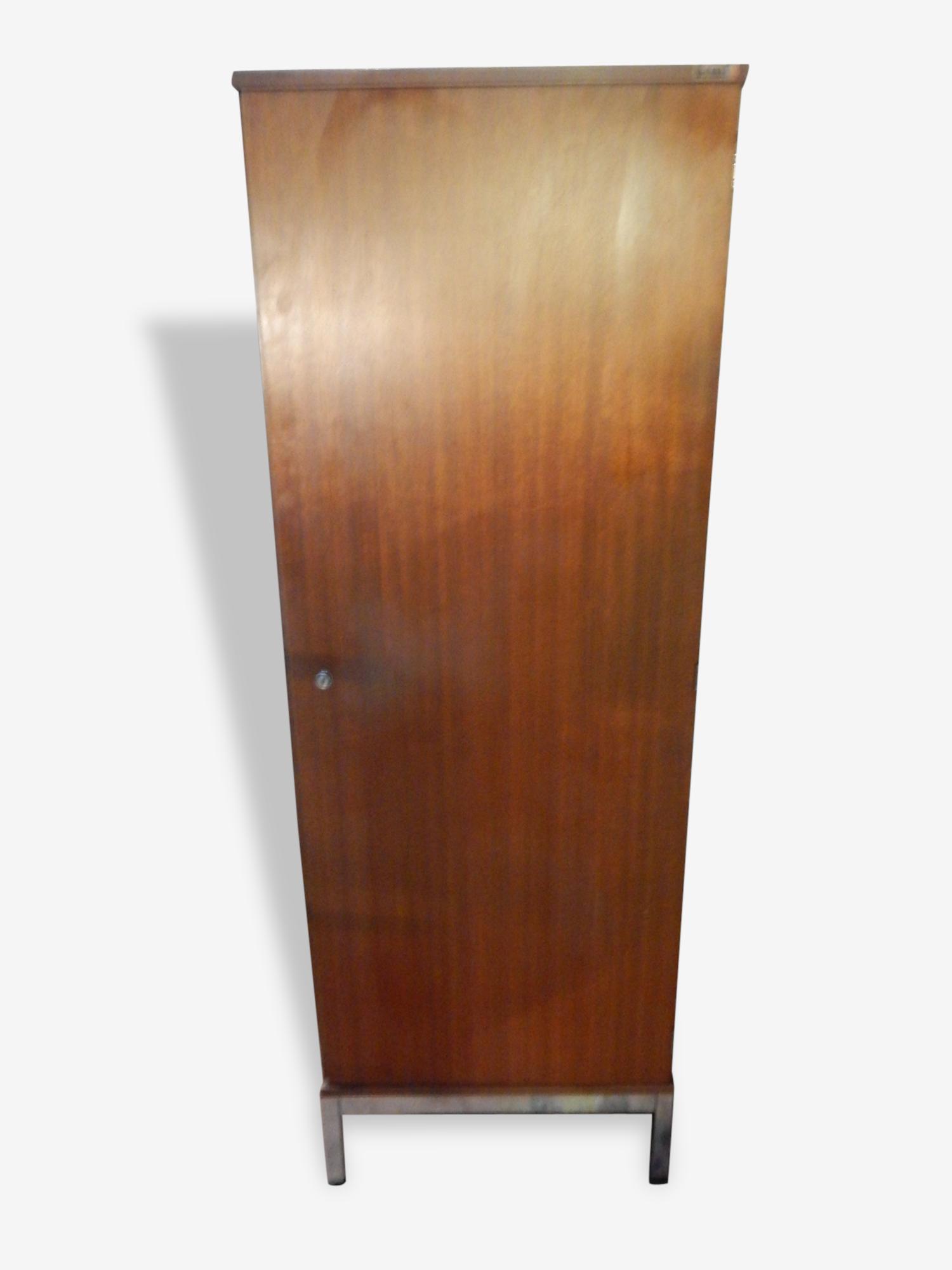 Armoire placard bonnetiere vintage epoque 60